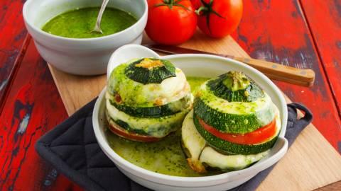 Torentje van bolcourgette, tomaat en mozzarella
