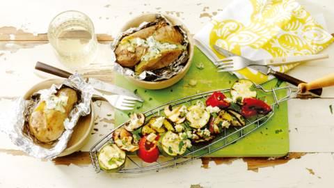 Gegrilde groente met pofaardappels en gorgonzolasaus