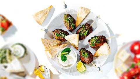 Pitapuntjes met kebab en yoghurt