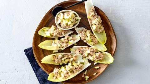 Witlofbites met huisgemaakte tonijnsalade en peer