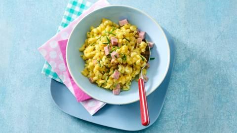 Macaroni met ham, kaas en pompoen