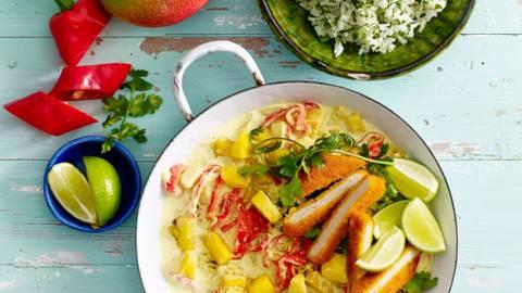 Mango-paprikacurry met vegetarische schnitzel en kruidenrijst