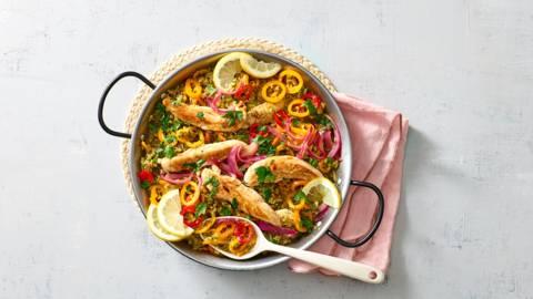 Paella met kip en broccolirijst