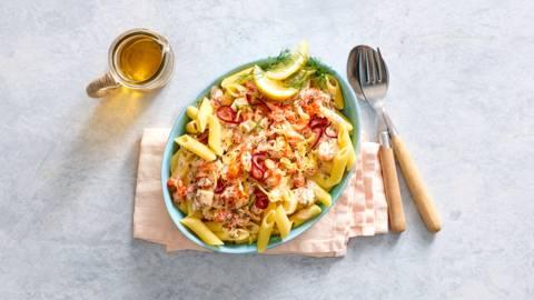 Snelle pasta met rivierkreeftjes, dille en citroen