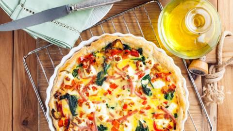 Spinazie quiche met paprika en reepjes ham