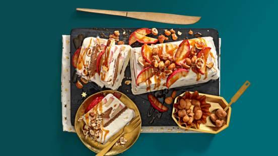 IJstaart met laagjes appel, appel-kaneelbrokken en speculoos