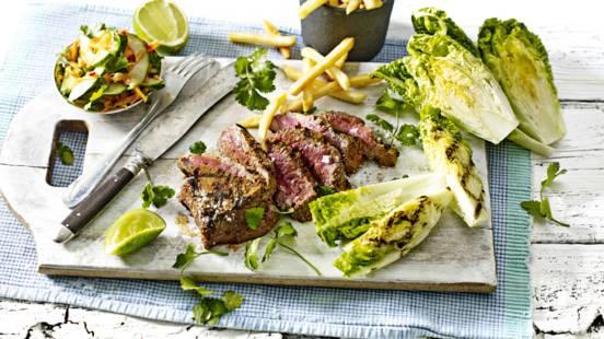 Pikant gemarineerde biefstuk met zoetzure salade