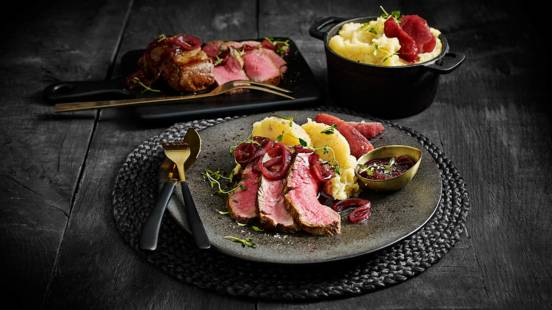 Chateaubriand stoofpeertjes, knolselderijpuree en met portjus met tijm