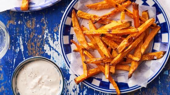 Frites van wortel en zoete aardappel