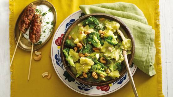 Stamppot groene curry met cashewnoten en pittig gehakt