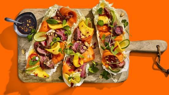 Biefstuk met tropische salade en limoen-sojadressing