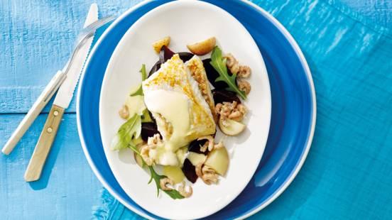 Verse kabeljauwfilet met gepofte biet, Noordzee garnalen en botersaus