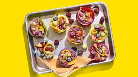 Frozen yoghurtbites met regenboogfruit