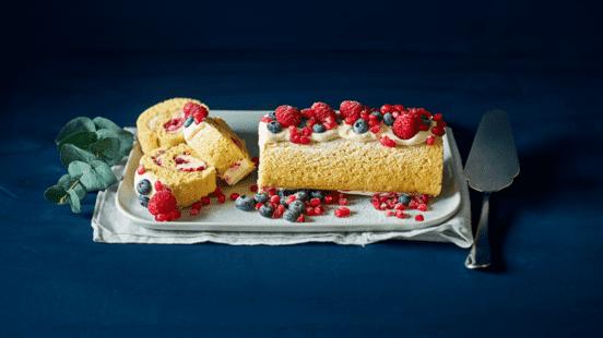 Cakerol gevuld met room en vers fruit