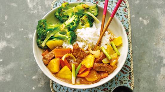 Chinese varkensfilet met ananas en broccoli