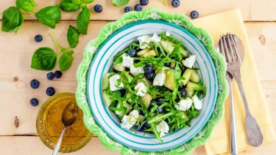 Meloensalade met blauwe bessen en geitenkaas