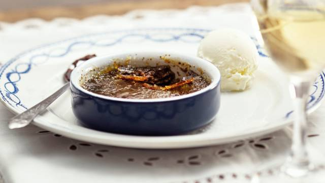 Chocolade crème brûlée met vanille ijs