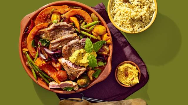 Gemarineerde lamskoteletten met Arabische groenten, couscous en houmous