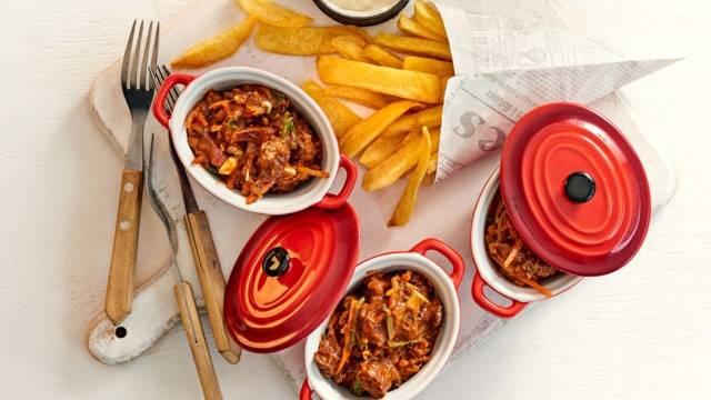 Zuurvlees met Vlaamse frieten