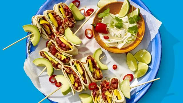 Mexicaanse bonen-wrapspiesjes