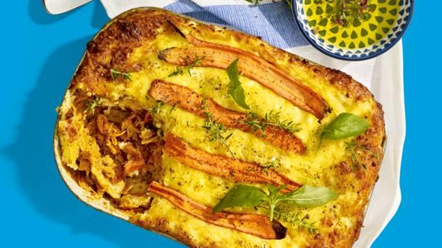 Vegetarische wortellasagne met mozzarella, citroen, tijm en vegetarisch gehakt