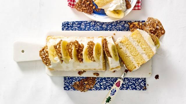 Mokkadessert met slagroom, banaan en huisgemaakte kletskoppen