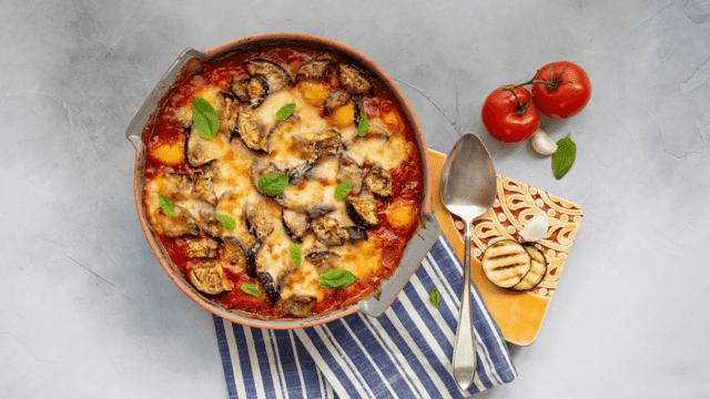 Kalkoenfilet met aardappelen en aubergine uit de oven
