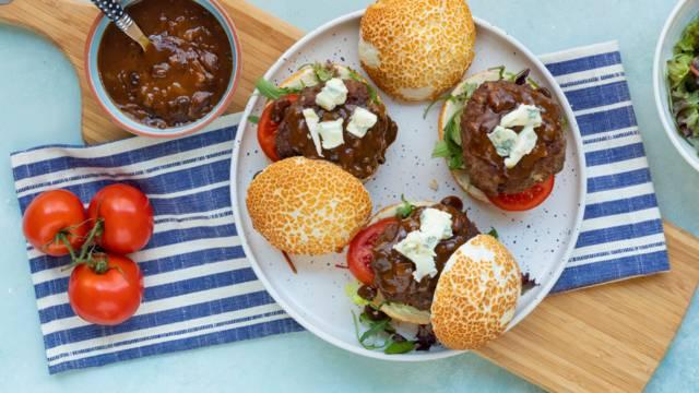 Luikse hamburgers met appelstroop en gorgonzola