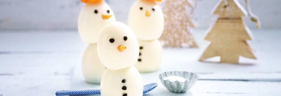 Gevulde sneeuwpop eieren