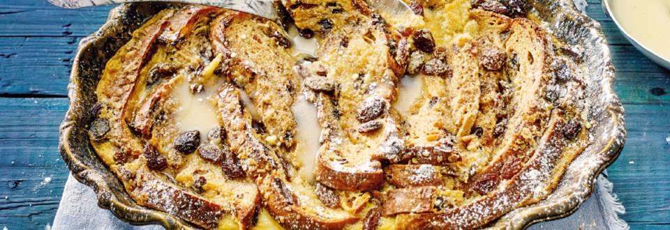 Brood-en boterpudding van kerststol