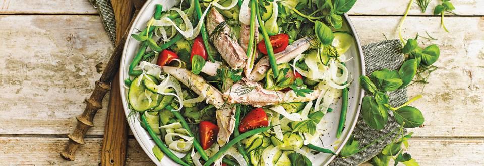 Makreel salade met zoetzure komkommer en venkel