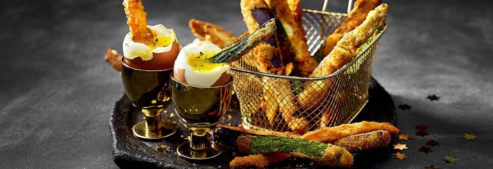 Tempura van groenten met gouden egg yolk dip en goudgebakken kaas-brooddippers