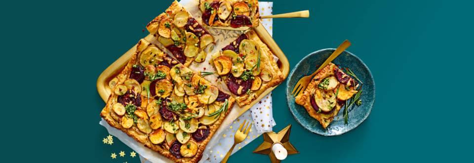 Aardappelplaattaart met rode bieten, 1000 dagen kaas en verse pesto van Lidl