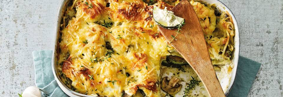 Lasagne van champignons, courgette, lente-ui en kruidenroomkaas