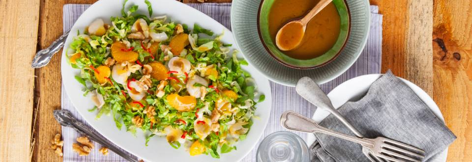 Andijviesalade met lychees en mandarijn