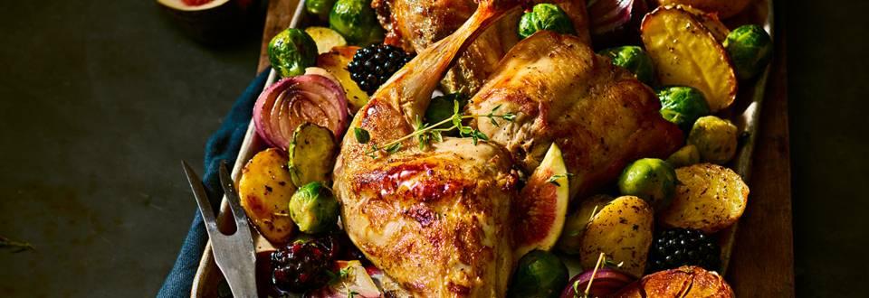 konijn uit de oven met spruitjes en aardappeltjes met rozemarijn