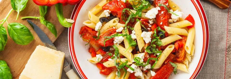 Pasta met geroosterde Roma tomaten uit de oven