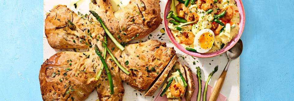 Lentebrood met luxe eiersalade