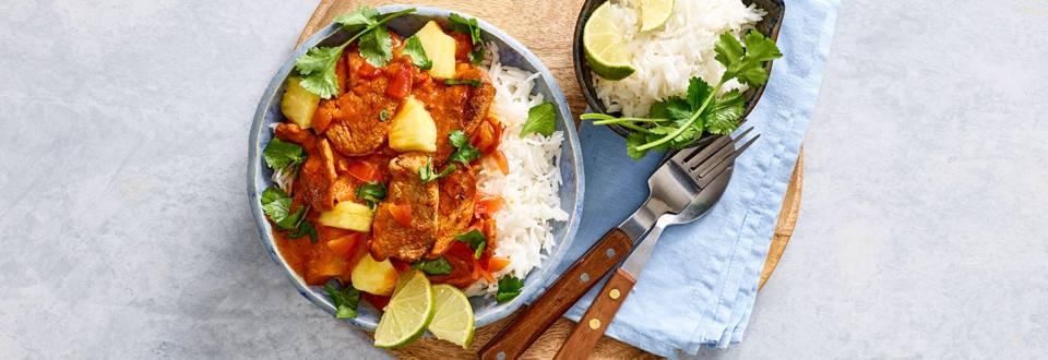 Zoetzure curry met varkenshaas, ananas en rijst